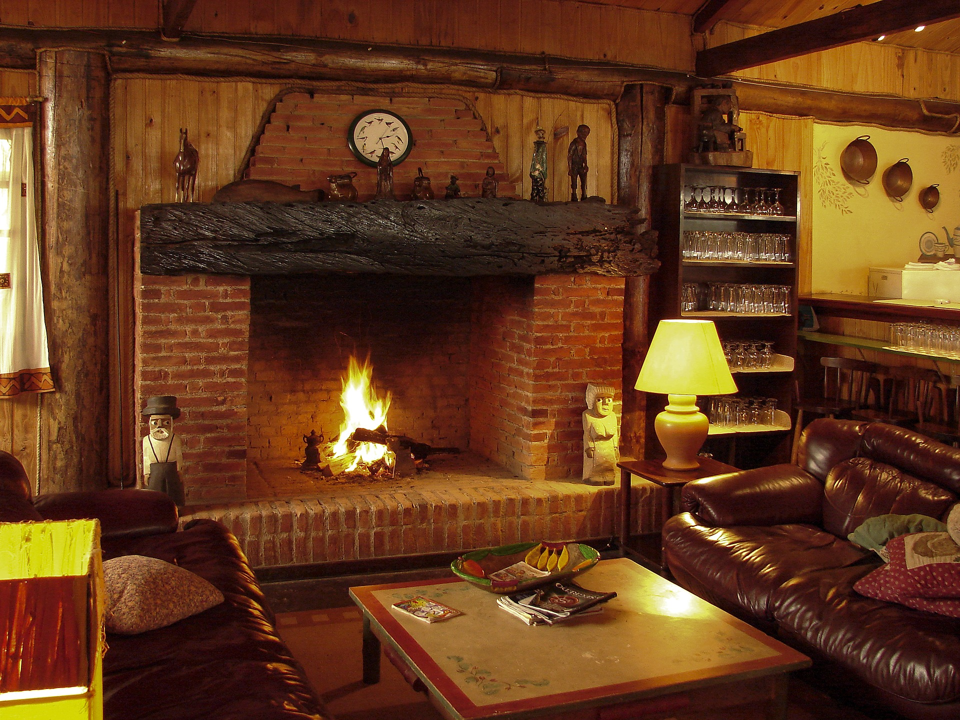 Wisconsin Log Homes for Sale with Fireplace under 250K